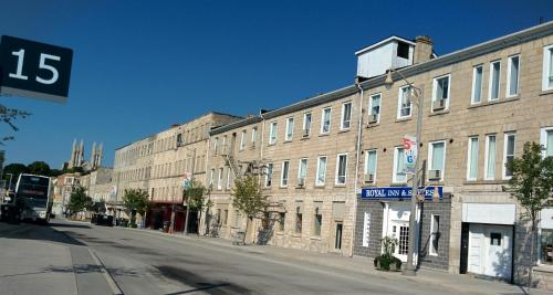 Hotel Pictures: Royal Inn and Suites at Guelph, Guelph