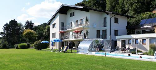 Hotel Pictures: Haus Habernig, Velden am Wörthersee