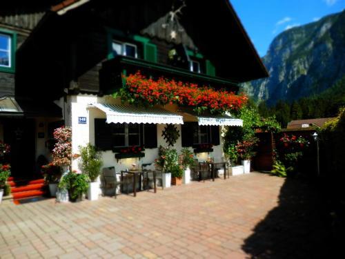 Hotel Pictures: Landhaus Osborne, Obertraun