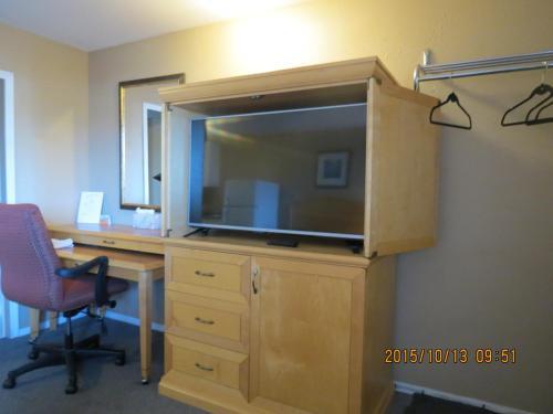 Hotel Pictures: Bulkley Valley Motel, New Hazelton