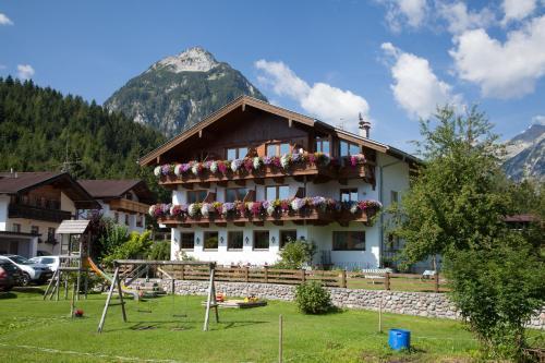 Hotelbilleder: Gasthaus-Pension Golfvilla, Pertisau
