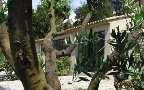 Hotel Pictures: Holiday Home Le Bastidon, Lagnes