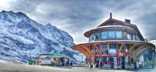 Hotel Pictures: Mountain-Lodge / Restaurant Bahnhof / Kleine Scheidegg, Kleine Scheidegg