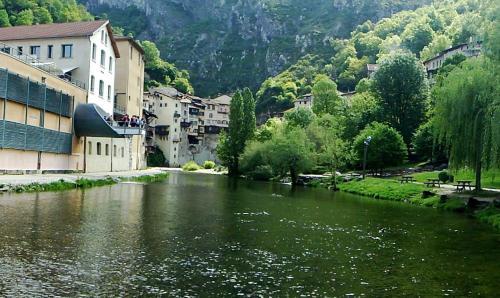 Hotel Pictures: , Pont-en-Royans