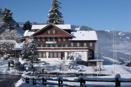 Hotel Pictures: Gasthaus Paxmontana, Flüeli