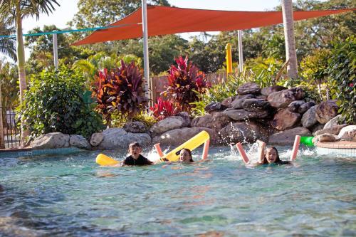 ホテル写真: BIG4 Cairns Crystal Cascades Holiday Park, Redlynch