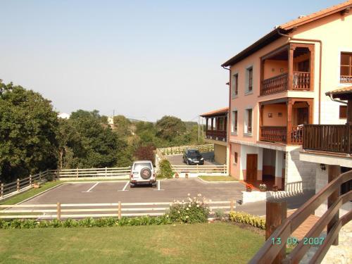 Hotel Pictures: La Arboleda, Colombres