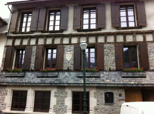 Hotel Pictures: Chez Toufou Au Chant Des Marmites, Saint-Lary-Soulan