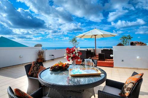 Hotel Pictures: Springs Complex - Luxury Penthouse, Peyia