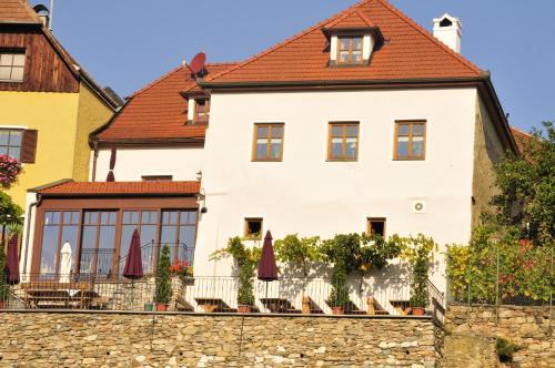 酒店图片: Gästehaus & Heuriger Turm Wachau, 魏森基兴