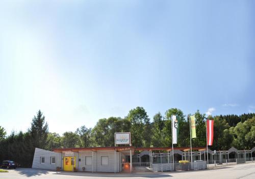 Hotellikuvia: Gästedorf Waldheimat, Langenwang