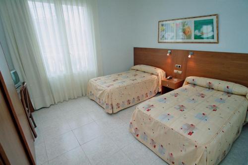 Hotel Pictures: Hostal Virginia, Tortosa