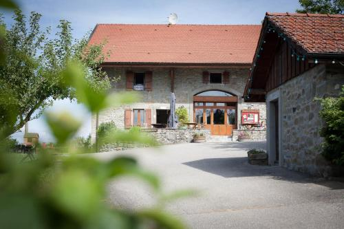 Hotel Pictures: , Lucinges