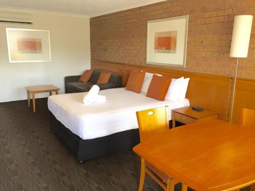 Фотографии отеля: James Street Motor Inn, Тувумба