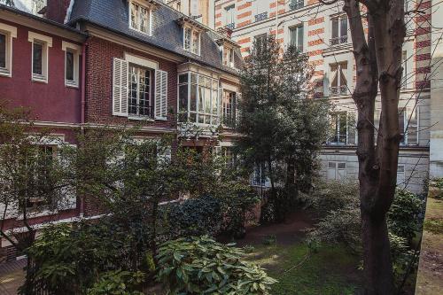 Hotel Pictures: Hotel Particulier Porte Maillot, Neuilly-sur-Seine