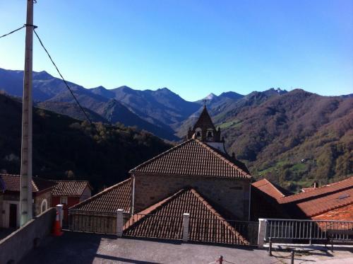 Hotel Pictures: Pensión El Mirador, Pajares