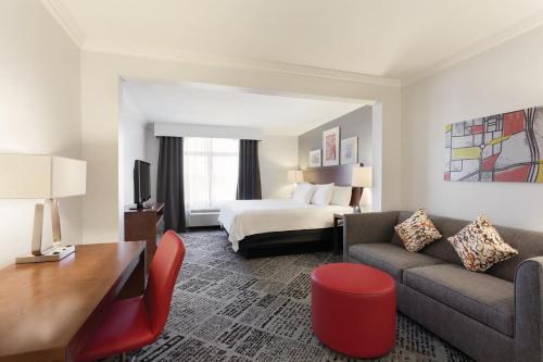 Springhill suites dallas addison quorum drive for Addison salon suites