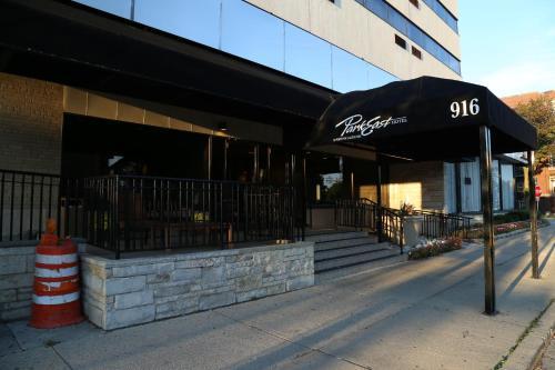 Milwaukee Days Inn Hotel Of The Arts