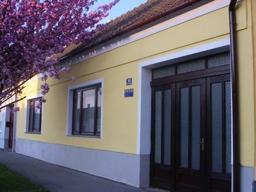 Fotografie hotelů: Holiday home St. Andra am Zicksee 1, Sankt Andrä bei Frauenkirchen