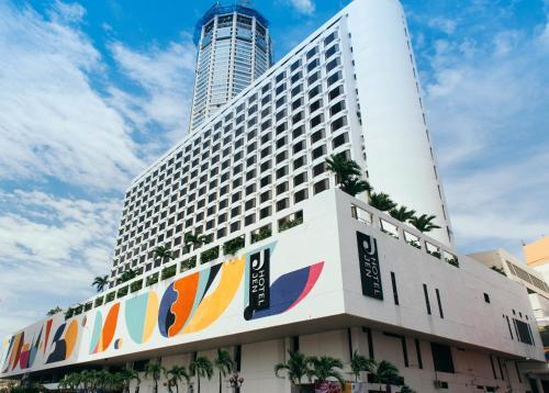 Hotel Jen Penang (Formerly Traders Hotel Penang)