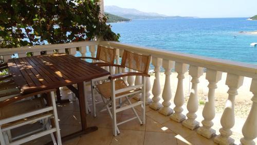 Hotellikuvia: Petro's Apartments, Ksamil