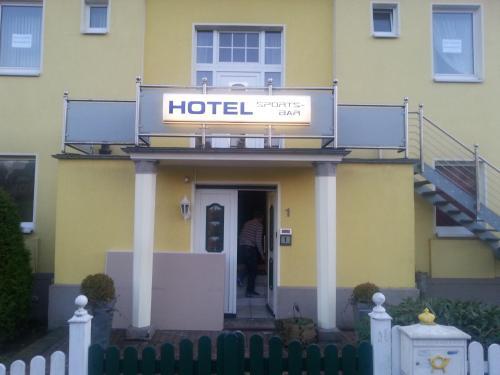 Hotel Pictures: Hotel zur Sportsbar, Horn-Bad Meinberg