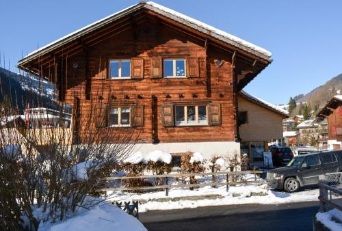 Hotel Pictures: Ferienwohnung Prättigau, Küblis