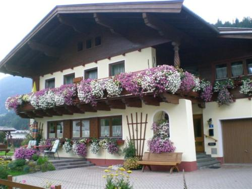 Hotelbilleder: Haus Nussbaumer, Maishofen