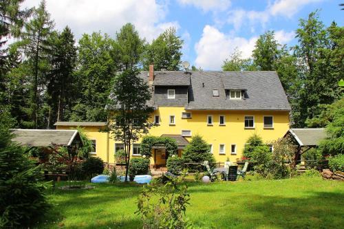 Hotel Pictures: Thüringer Waldbaude, Tambach-Dietharz