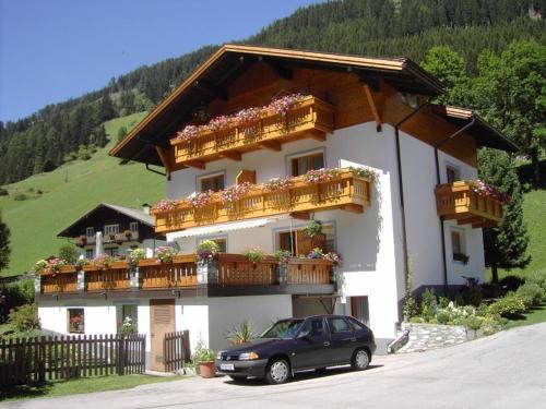 Hotellikuvia: Haus Gutwenger, Sankt Jakob in Defereggen