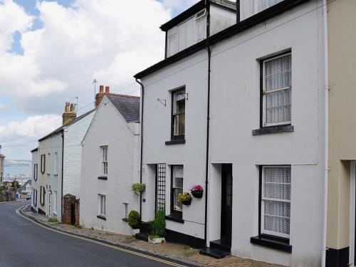 Hotel Pictures: Pebble Cottage, Brixham