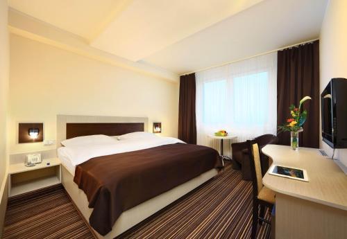 Hotel Pictures: Flora, Olomouc