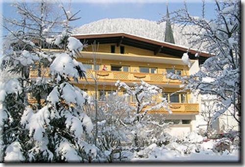 Foto Hotel: Gästehaus-Pension Bendler, Kirchdorf in Tirol