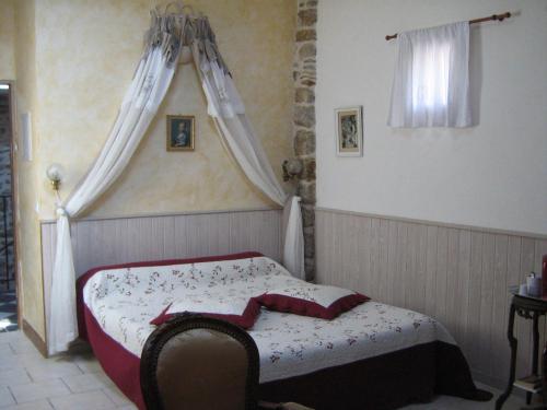Hotel Pictures: Le Mas de la Musardiere, Les Assions