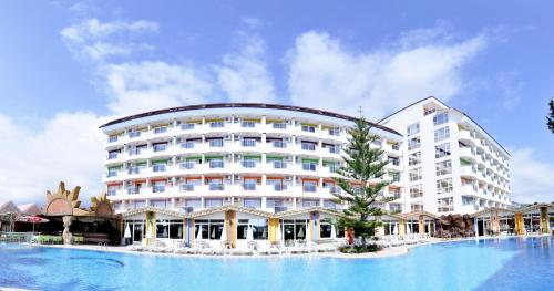 First Class Hotel (All Inclusive)