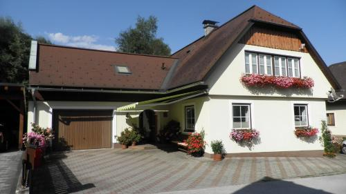 Hotel Pictures: Haus Anneliese, Pruggern
