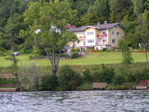 Zdjęcia hotelu: Ferienwohnungen Seeruhe, Millstatt