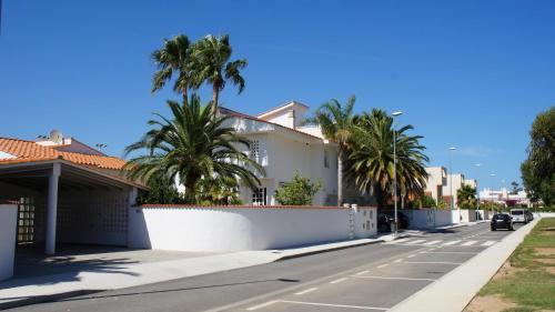 Hotel Pictures: Apartment Los Eucaliptus, LEucaliptus
