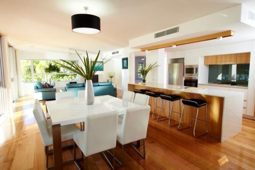 Photos de l'hôtel: Maggies Beachfront Apartments, Horseshoe Bay