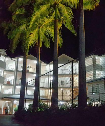 Zdjęcia hotelu: Cairns Golden Sands Beachfront Apartments, Yorkeys Knob