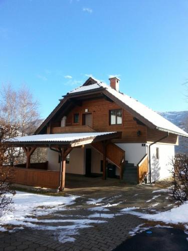 Hotelbilleder: Ferienhaus Sara, Bad Kleinkirchheim