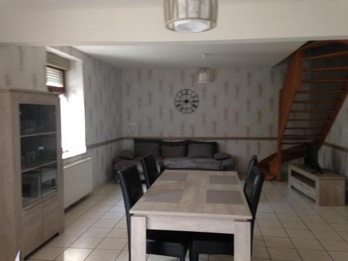 Hotel Pictures: , Pont-sur-Sambre