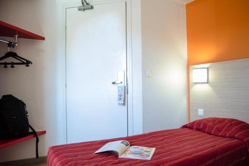 Hotel Pictures: Première Classe Calais Centre-Gare, Calais