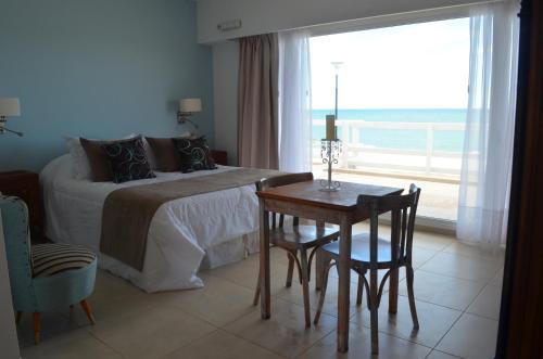 Hotel Pictures: Agua & Piedras Suites & Spa., Las Grutas