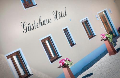 Hotel Pictures: Gästehaus Hötzl, Galgweis