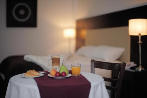 Hotellikuvia: Manantiales Hotel Casino Virasoro, Gobernador Virasora