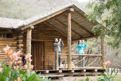 Hotel Pictures: Inraki Lodge, Guaillabamba