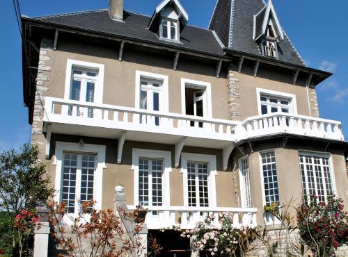 Hotel Pictures: , Salies-de-Béarn