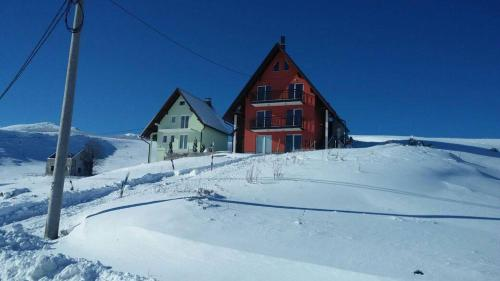 Hotel Pictures: Ela Holiday home, Kupres
