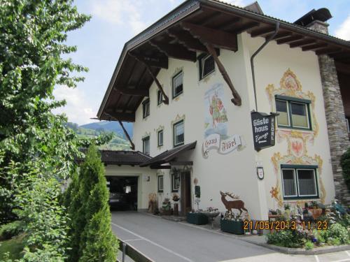 Hotellikuvia: Haus Flörl, Ried im Zillertal